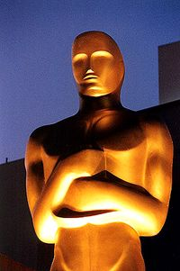 Oscar-statue-up-close