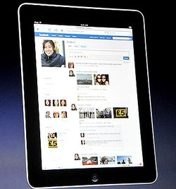 IPad_Facebook_App_fullscreen