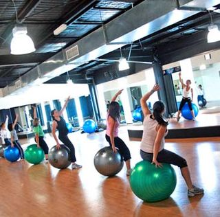 Fitball_Group_Fitness_Class-Crop 387