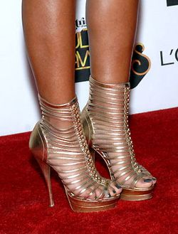 2012 SOUL TRAIN MUSIC AWARDS_MELANIE FIONA_SHOES