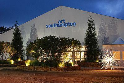 ART SOUTHAMPTON EXTERIOR TENT