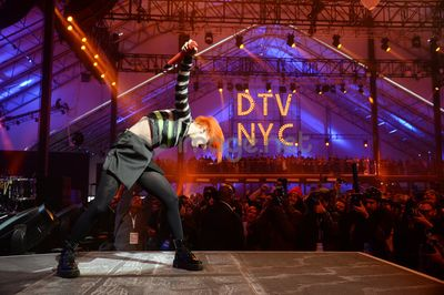 2014 DIRECT TV BEACH BOWL_HAYLEY WILLIAMS