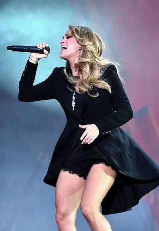 2014 GLOBAL CITIZENS CONCERT_CARRIE UNDERWOOD (412x600)