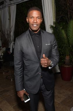 JAMIE FOXX AT THE WARNER BROS 2015 GRAMMY PARTY (399x600)