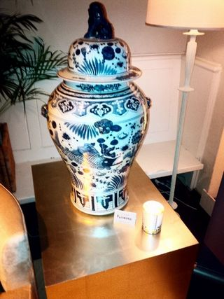 TRADITIONAL HOME 25TH ANNIVERSARY_DECORATIVE URN