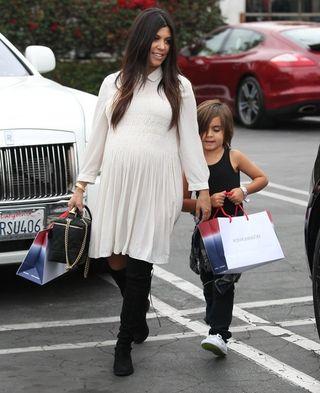 Kourtney+Kardashian+Kourtney+Kardashian+Takes+X_p_FEHUABZl (484x594)