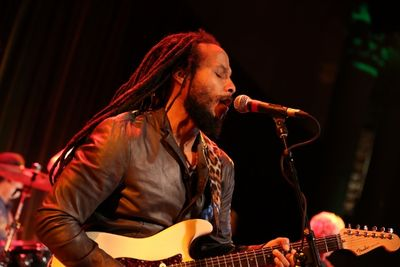 Ziggy Marley performs - (c) Rebecca Weiss Photography (Approved) (600x400)