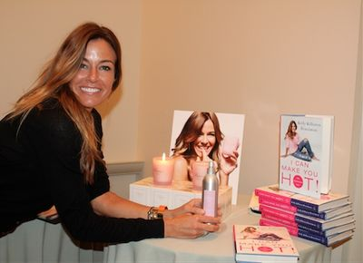 KELLY BENSIMON AT HOLIDAY SAMPLE SALE (474x344)