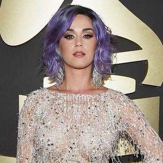 KATY PERRY AT 2015 GRAMMYS (600x600)