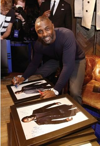IDRIS ELBA SUPERDRY LAUNCH _IDRIS AUTOGRAPHS (343x500)