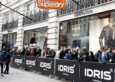 IDRIS SUPERDRY LAUNCH _ATMOSPHERE (500x358)