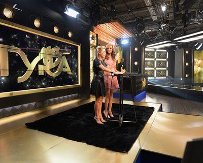 Tyra+Banks+Tyra+Banks+Debuts+TYRA+beauty+HSN+GjHJE_B_2wJl (594x476)