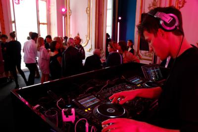 KARL LAGERFELD & MODEL CO_DJ