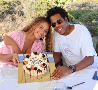 BEYONCE 37_WITH CAKE