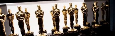 Oscar Statuettes (600x192)