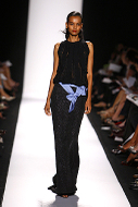 Carolina_herrera_runway_shot_1_spr_